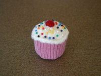 Knitted cupcake 012509