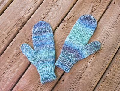 Blue handspun mittens 2 070511