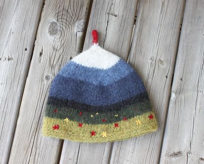 Tindur tea cozy side 2