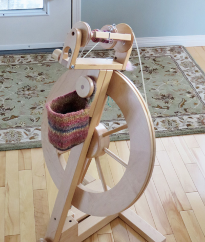 a spinning wheel bag