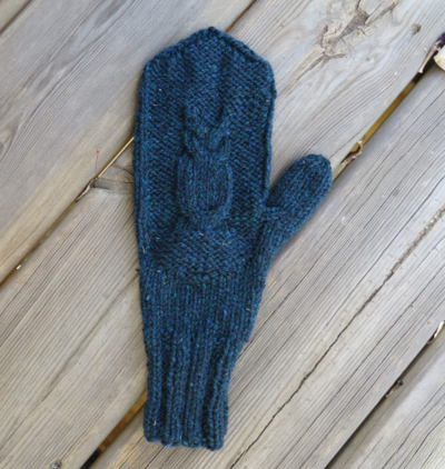 Owl mitten, blocked and lookin' good!