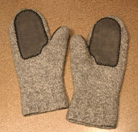 Dads_mitts_123005